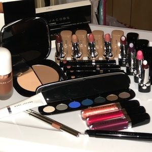 MARC JACOBS MAKEUP BUNDLE 23 pc.